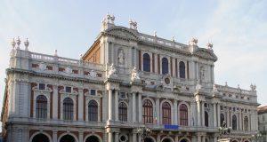 palazzo_carignano_turin_facade.jpg